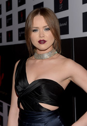 Kristina Bazan's diamond choker added major glamour to her look.
