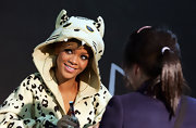 Rihanna wore a thin pair of seriously oversized gold hoops with her unique animal hoodie. Leave to Riri to keep us on our fashion toes!