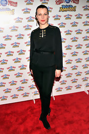 Debi Mazar topped off her monochromatic look with black skinny pants.