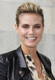 Heidi Klum looks au natural in nude glossy lipstick.