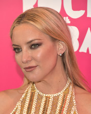Kate Hudson added some sparkle with a pair of diamond studs.