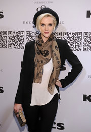 Ashlee Simpson Wentz wore this skull scarf with her black-and-white ensemble for the Rock & Republic fashion show at Kohl's.