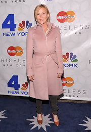Kelli Giddish looked too cute for words in this dusty pink peat coat.