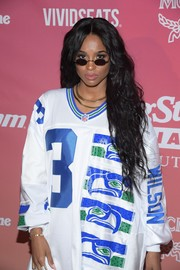 Ciara accessorized with a pair of tiny oval shades by Roberi & Fraud while attending Rolling Stone Live Miami.