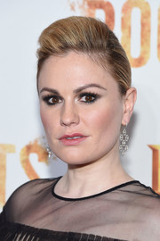 Anna Paquin showed off a sleek pompadour at the 'Night One' premiere of 'Roots.'
