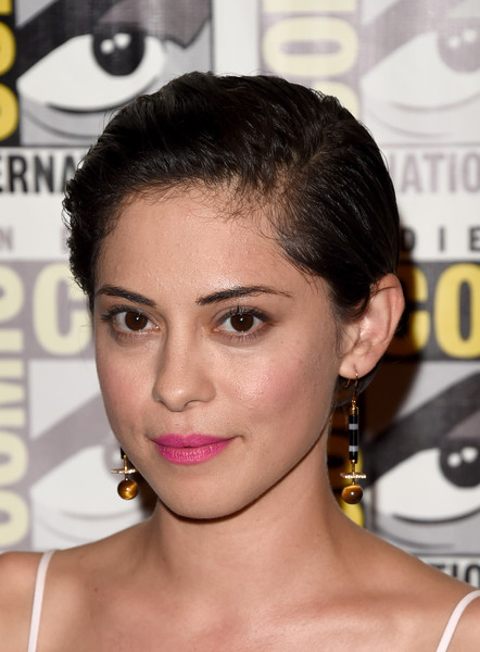 Rosa Salazar Short Side Part [comic-con international 2015,hair,face,eyebrow,hairstyle,forehead,chin,eyelash,nose,head,black hair,rosa salazar,press room,20th century fox press room,san diego,california,hilton bayfront,20th century fox,comic-con international]