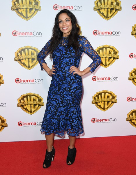 Rosario Dawson Lace Dress [the big picture,photo,red carpet,clothing,carpet,dress,flooring,cocktail dress,joint,footwear,premiere,electric blue,rosario dawson,cinemacon 2017,warner bros. pictures presentation,warner bros pictures invites,caesars palace,the colosseum,las vegas,nevada]