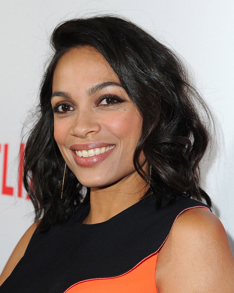 Rosario Dawson Medium Wavy Cut