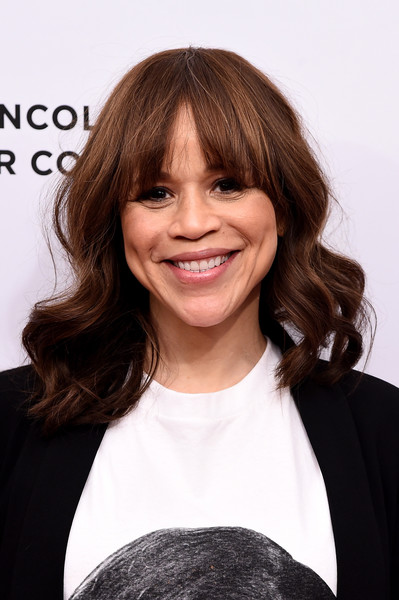 Rosie Perez Medium Wavy Cut With Bangs Shoulder Length