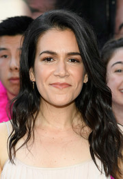 Abbi Jacobson attended the New York premiere of 'Rough Night' wearing her hair in loose waves.