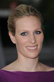 Zara Phillips looked stunning in a demure metallic eye shadow at the Rugby for Heroes Charity Gala Dinner.