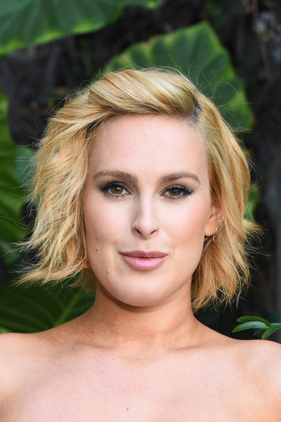 Rumer Willis Short Wavy Cut