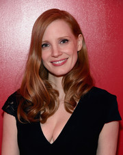 Jessica Chastain framed her lovely face with a side-parted hairstyle with wavy ends for the SAG-AFTRA Foundation Conversations.