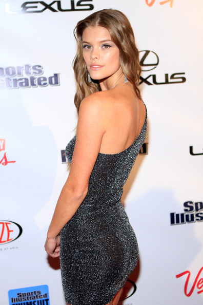 More Pics of Nina Agdal One Shoulder Dress (2 of 13) - Nina Agdal Lookbook - StyleBistro
