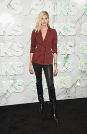 Devon Windsor paired her jacket with black leather skinnies.
