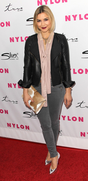 Samaire Armstrong Envelope Clutch [sucker punch,clothing,footwear,leather,outerwear,hairstyle,jacket,joint,leather jacket,shoe,blazer,samaire armstrong,cast,cast,tru hollywood,hollywood,california,party,nylon magazine,anniversary issue party]