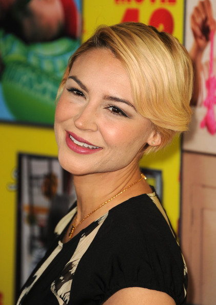 Samaire Armstrong Short Side Part [movie 43,hair,face,hairstyle,blond,chin,beauty,eyebrow,smile,long hair,hair coloring,red carpet,samaire armstrong,california,hollywood,tcl chinese theatre,relativity media,premiere,premiere]