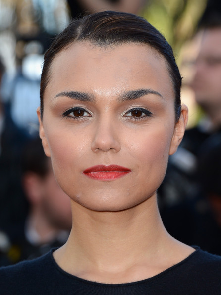 Samantha Barks Red Lipstick