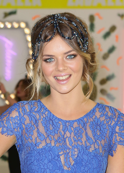 Samara Weaving Accessories