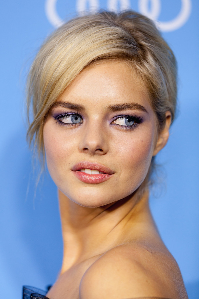 Samara Weaving Bobby Pinned Updo Samara Weaving Looks