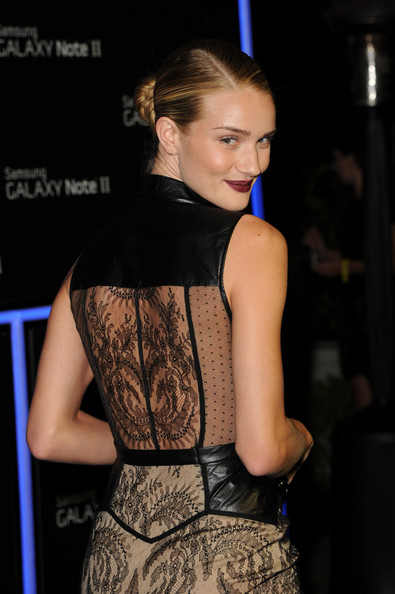 More Pics of Rosie Huntington-Whiteley Dark Lipstick (1 of 2) - Rosie Huntington-Whiteley Lookbook - StyleBistro