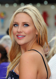 Stephanie Pratt opted for a casual center-parted hairstyle when she attended the 'San Andreas' UK premiere.