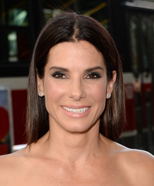 Sandra Bullock Smoky Eyes [gravity premiere - arrivals,gravity,hair,face,eyebrow,hairstyle,beauty,chin,lip,skin,forehead,smile,sandra bullock,toronto,canada,princess of wales theatre,toronto international film festival,premiere]