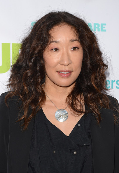 Sandra Oh Sterling Pendant [hair,hairstyle,long hair,layered hair,brown hair,black hair,arrivals,sandra oh,public theater,new york city,delacorte theater,gala,public theater gala]