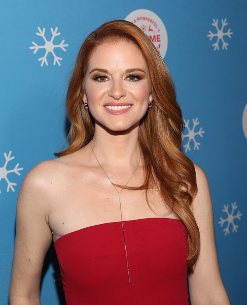 Sarah Drew Feathered Flip [christmas movies attend the vip opening night of the life,hair,clothing,hairstyle,beauty,blond,lip,long hair,premiere,electric blue,brown hair,sarah drew,its a wonderful lifetime,gingerbread house,a wonderful lifetime,gingerbread house,the grove,stars of the network,vip,celebration]