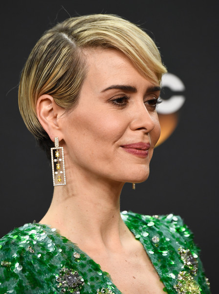 Sarah Paulson Short Side Part [movie,mini-series,hair,face,hairstyle,eyebrow,chin,beauty,blond,ear,shoulder,fashion accessory,sarah paulson,the people v. o.j.,simpson: american crime story,best actress,room,press room,microsoft theater,primetime emmy awards]