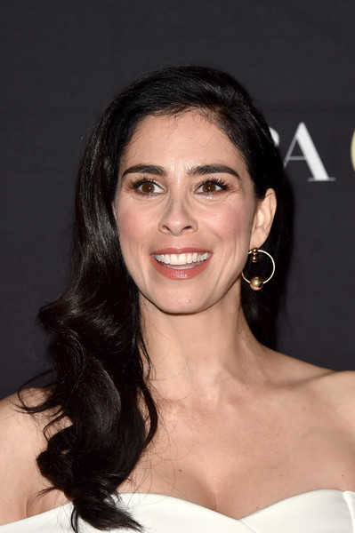 Sarah Silverman Retro Hairstyle