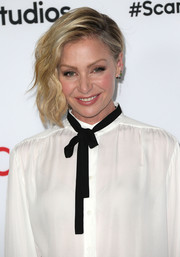 Portia de Rossi wore her short waves swept to the side during the 'Scandal' ATAS event.