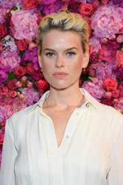 Alice Eve rocked a blonde pompadour with dark roots at the Schiaparelli Couture Fall 2018 show.