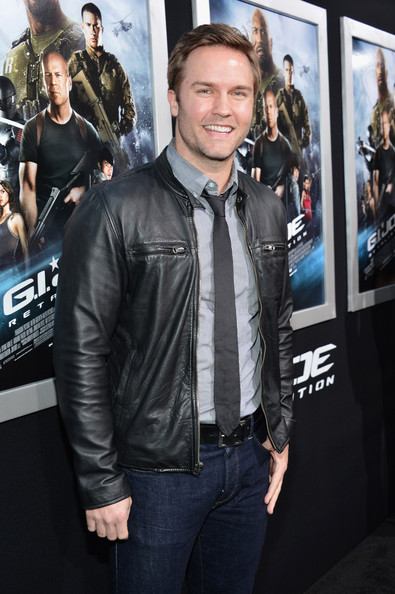 Scott Porter Leather Jacket [red carpet,leather,premiere,jacket,leather jacket,textile,event,outerwear,jeans,top,fictional character,scott porter,g.i.,joe: retaliation,california,hollywood,tcl chinese theatre,paramount pictures,premiere,premiere]