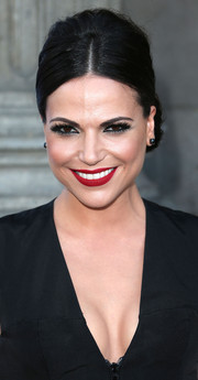 Lana Parrilla went for a bold beauty look with red, red lips and heavily lined eyes.