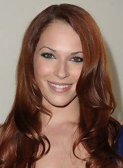 Amanda Righetti wore a rich navy blue shadow along with black liner to create her dramatic eye makeup look for a screening of 'Cats Dancing on Jupiter.'