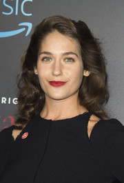 Lola Kirke looked darling wearing this '40s-inspired hairstyle at the screening of 'Mozart in the Jungle.'