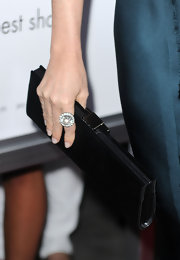 Demi Moore wore a sparkling diamond ring while hitting the premiere of the 'Killers'.