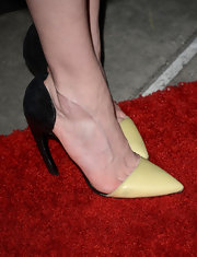 Kirsten Dunst showed her quirky style with these black and yellow pumps.