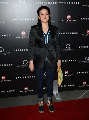 Alia Shawkat dressed up her jeans with this silky blazer with floral embroidery.
