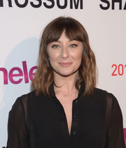 Isidora Goreshter sported casual waves and parted bangs at the 'Shameless' screening and panel discussion.