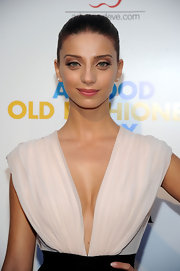 Angela Sarafyan arrived at the screening of Samuel Goldwyn Films' 'A Good Old Fashioned Orgy' looking chic and sophisticated. Adding to her gorgeous gaze were a set of perfectly placed false lashes.