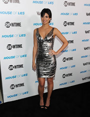 Morena Baccarin wore a metallic mini dress for the 'House of Lies' premiere.