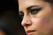 Kristen Stewart rocked smoky blue eyeshadow at the Zurich Film Festival premiere of 'Seberg.'