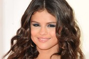 Check Out Selena Gomez's New Hair Extensions