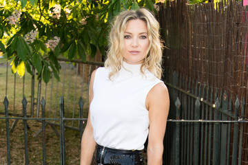 Look of the Day: Kate Hudson Stuns in Black and White