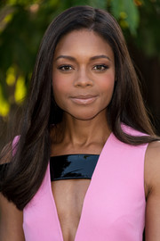 Naomie Harris looked lovely even with this simple straight hairstyle at the Serpentine Gallery Summer Party.