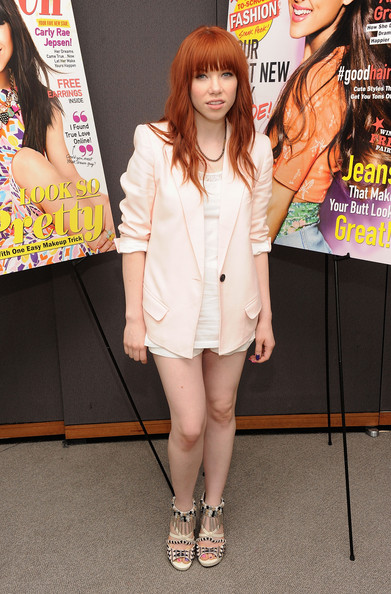 More Pics of Carly Rae Jepsen Blazer (5 of 11) - Carly Rae Jepsen Lookbook - StyleBistro