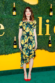 Mandy Moore was cute and ladylike in an asymmetrical-hem print dress at the Veuve Clicquot Polo Classic.