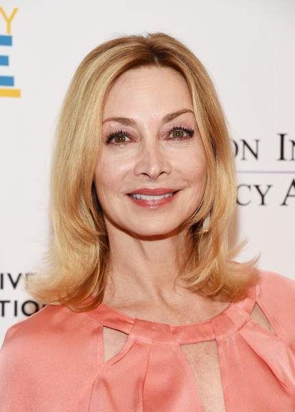 Sharon Lawrence Flip [hair,face,blond,hairstyle,eyebrow,skin,lip,chin,shoulder,beauty,arrivals,sharon lawrence,sofitel los angeles,california,beverly hills,creative coalition,television industry advocacy awards]